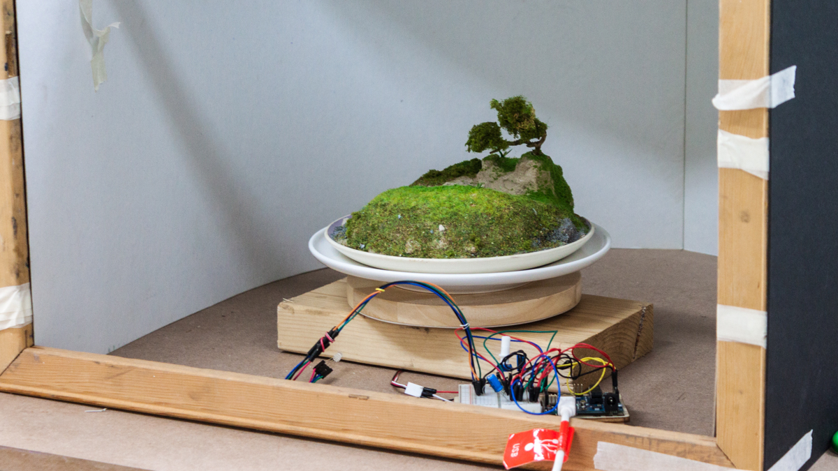 Landscape in a plate - physical prototyping with Arduino